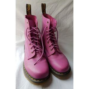 [Dr Martens] pink pascal lace up boots